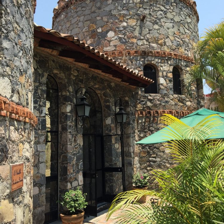 El Castillo Stokes Chapala